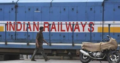 Covid-19: Railways gives 11,000 food packets across the country