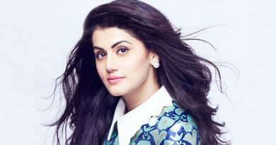 """Taapsee Pannu will """"wait and conspire"""" to work with Hrithik Roshan"""