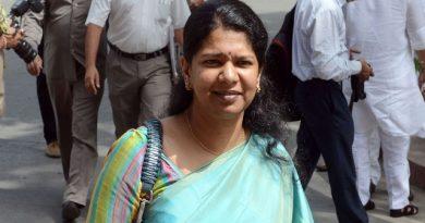 SC refuses to stay election case against DMK's Kanimozhi
