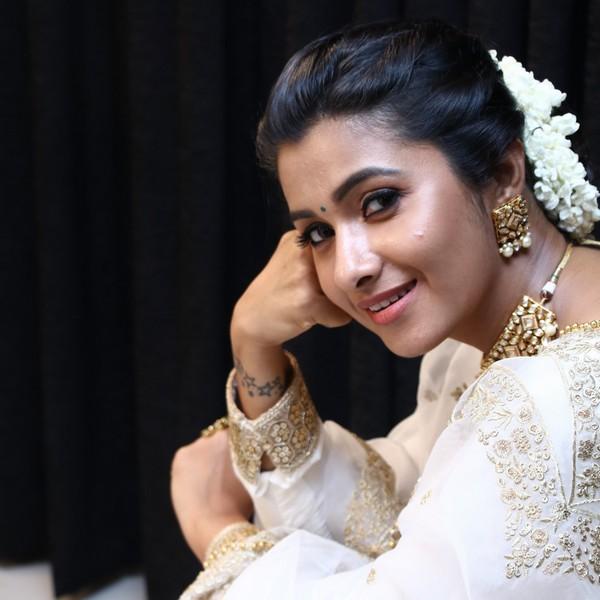 Actress Priya Bhavani Shankar Latest Stills: Actress Priya Bhavani Shankar Latest Stills