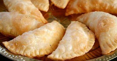 Sweet Somas | Diwali Sweets Recipe