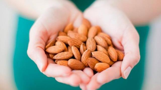 Pledge for a healthier lifestyle with Almonds, this World Diabetes Day