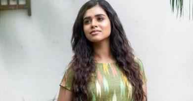 Actress Meenakshi Photos